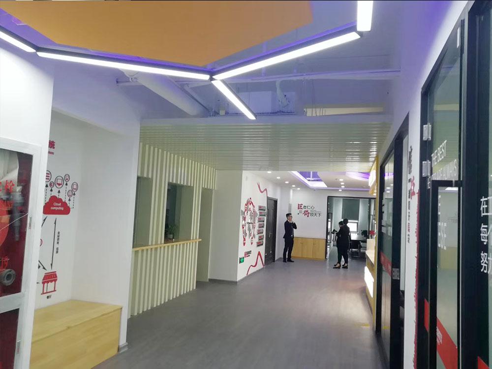 巨将餐饮办公室地板及餐厅地板工程
